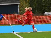 Rita Keimakh sends the corner kick