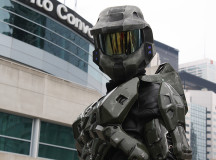 Master Chief's ready to fight for that last issue he needs for his collection