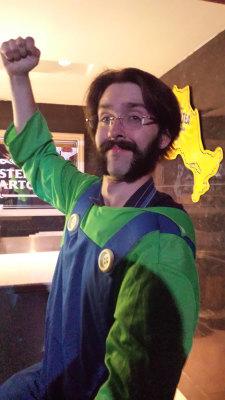 Dave Paterson 1-ups Nintendo pub night with his Luigi costume.