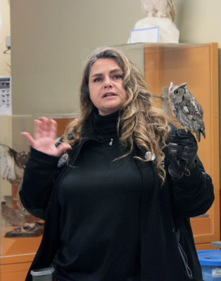 Lara Butt the Raptor Centre bird interpreter with Echo the eastern screech owl. (Photography by Nicole Calhau/ The Sheridan Sun
